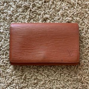 Auth Louis Vuitton Epi Porte Tresor Wallet In Fawn
